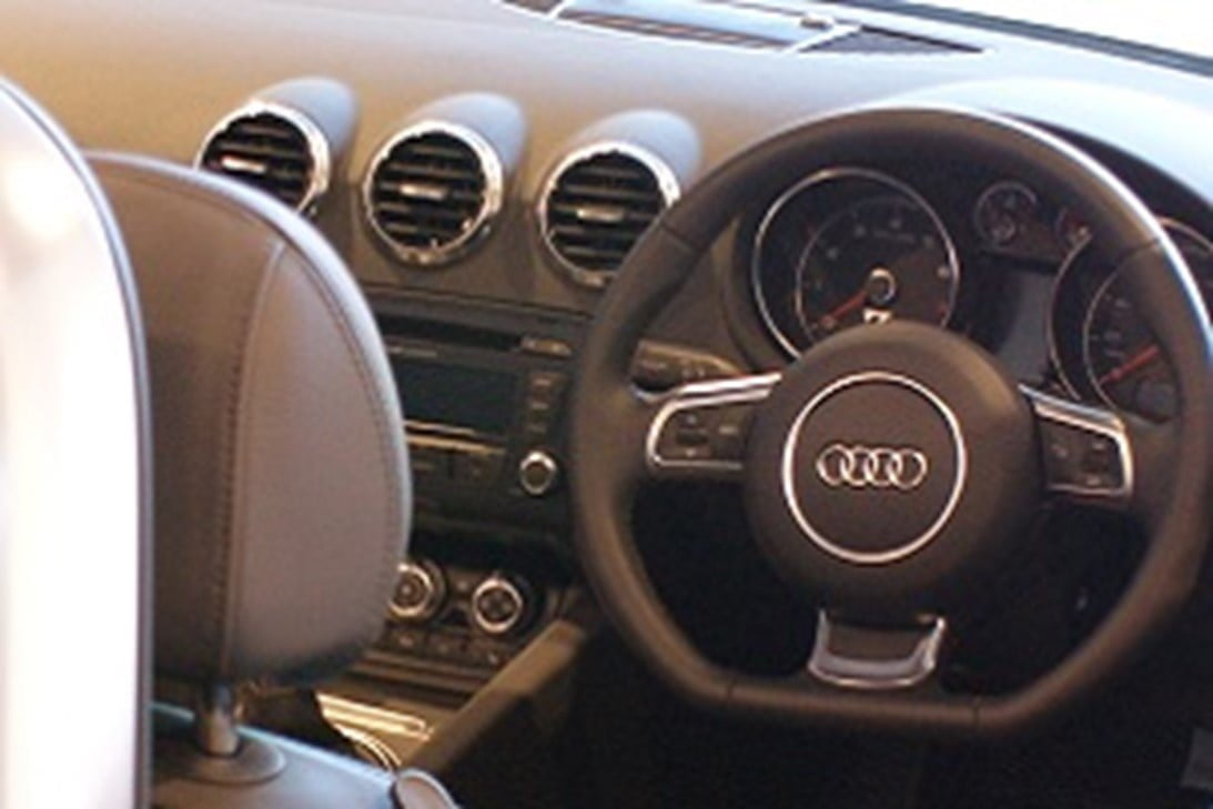 Car interior airbag split line